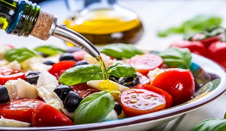 Mediterranean Diet May Reduce Dementia Risk